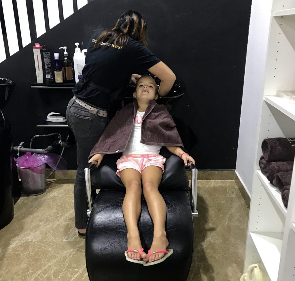 Na een eerste schoolweek even relaxen bij de kapper