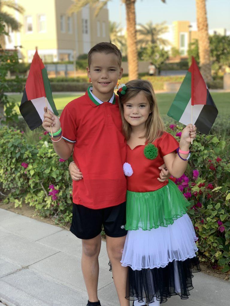 Kyan en Nomi klaar voor National Day