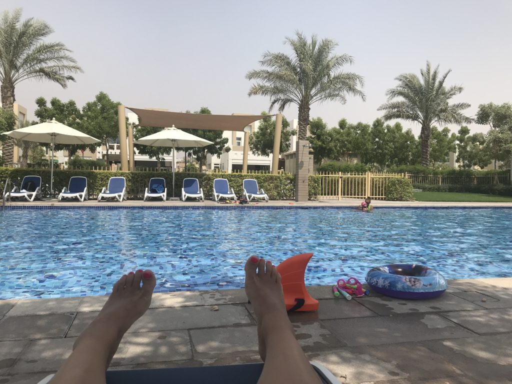 Beginnen paar uurtjes zwembad Mudon Dubai UAE