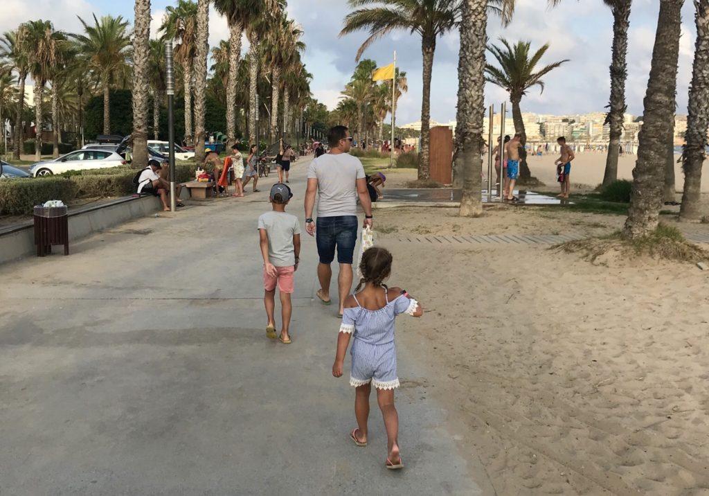 Mels Kyan Nomi zomervakantie Spanje