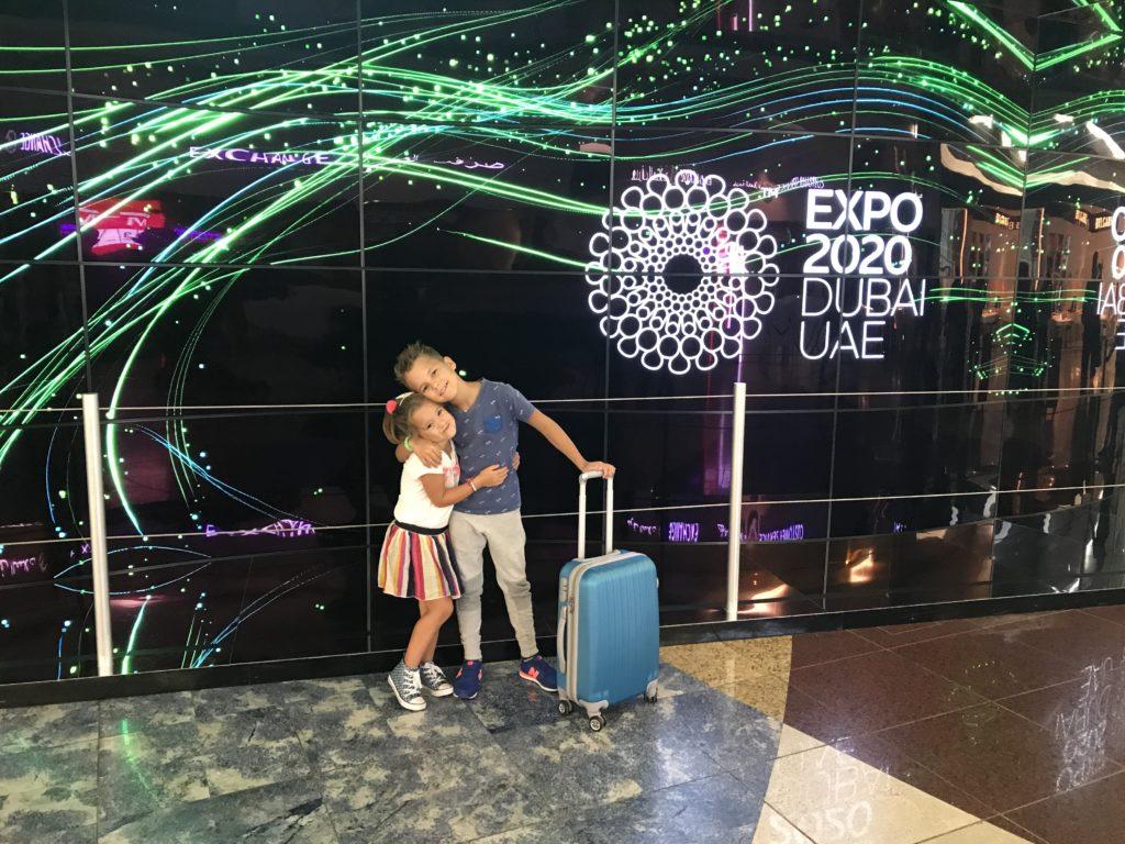 Kyan Nomi DXB wachten voor vertrek